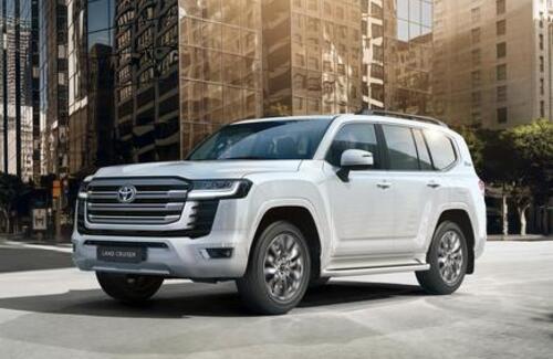 8 фактов о новом поколении легенды: официальные дилеры Тойота начинают продажи Toyota Land Cruiser 300
