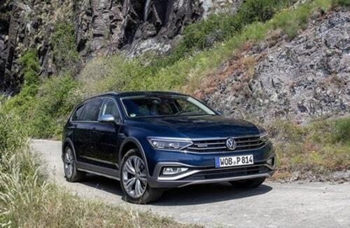 Марка Volkswagen объявляет цены на Passat Alltrack